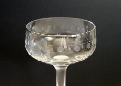 12 likörglas i retro mönster