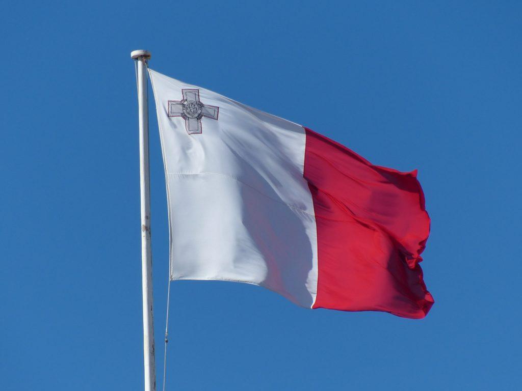 Maltas flagga