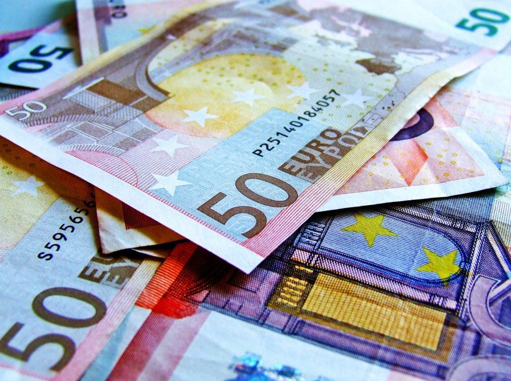 Dyr biljett. Euro