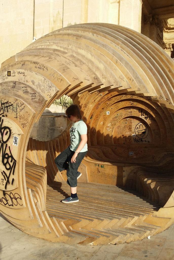 Kasper i ett konstverk i Valletta